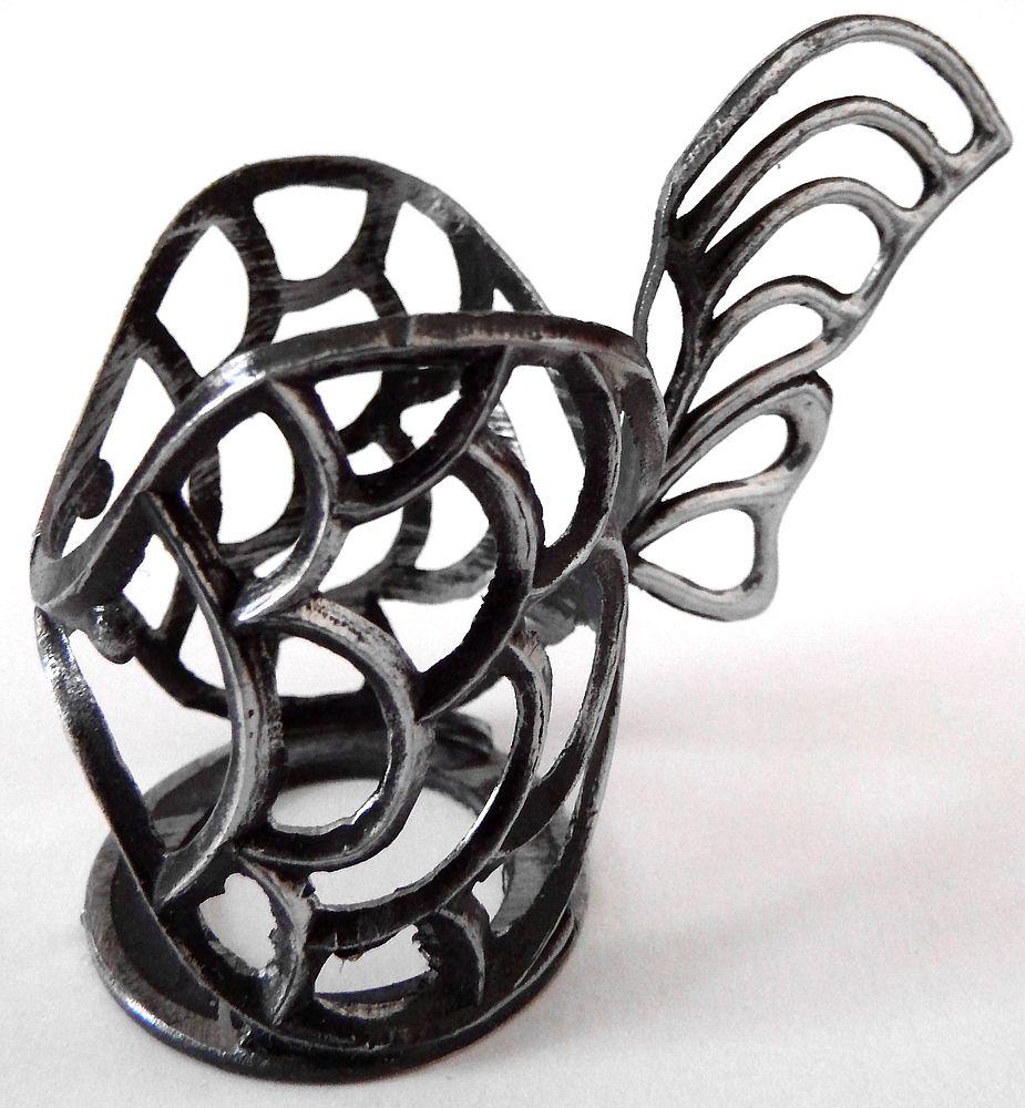 tvarovaný držák (podstakannik - glass holder)